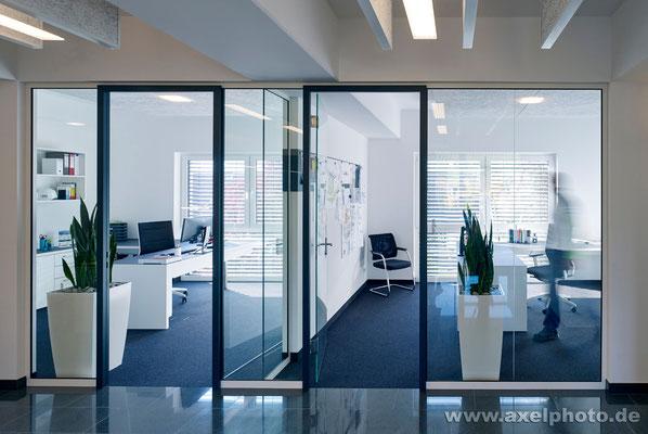 Bürogebäude mit Penthouse-Wohnung Architekturbüro Haid