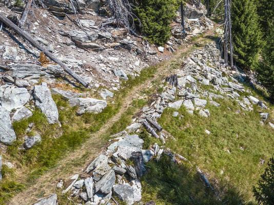 Mauer der Rollbahn Ursera Gemeinde Ferrera