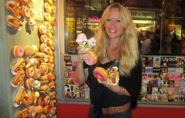 UNIVERSAL CITY - AMERICAN FAST FOOD GEFÄLLIG?