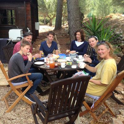 Koffie bij de Cabaña, mdkm Sam, Arjan, Jens, Lijne, Lie, Sas
