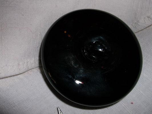Meine Replik eines Glättglas :Sicht unter den Stein