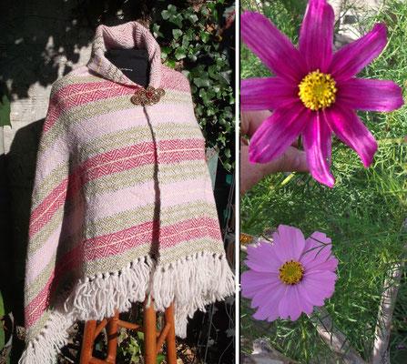 Cosmeen - kräftig rosa oder zanz zart mit filigranen Blättchen und kräftig gelbem Auge waren die Vorlage zu diesem Tuch das zwei Seiten hat