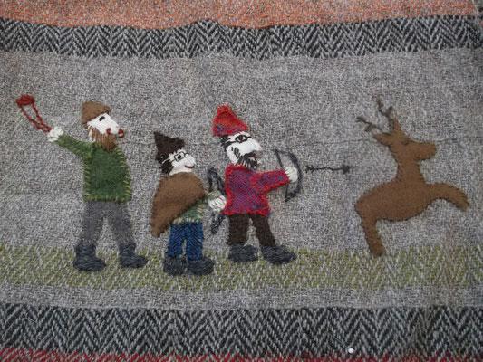 Szene 4 : die Darsteller Sönke, Bänky und Rübi jagen einen Hirsch