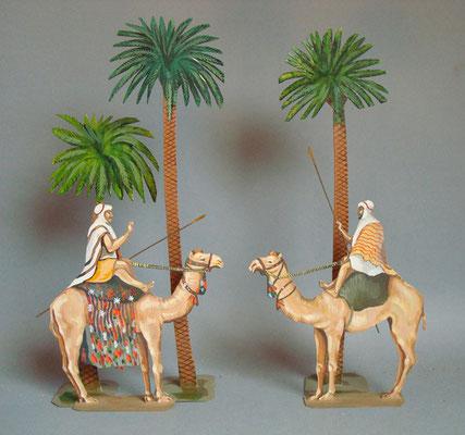 Ägypten Kamelreiter unter Palmen