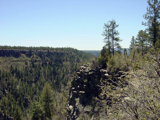 Blick vom Oak Creek Canyon Overlook