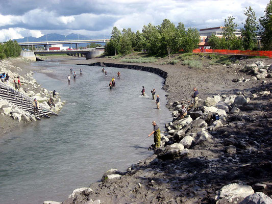 Angler am Ship Creek