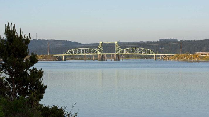 Drehbrücke über den  Coquille River, Oregon