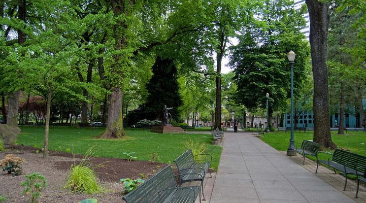 Oregon Pioneer Statue, Chapman Square, Portland
