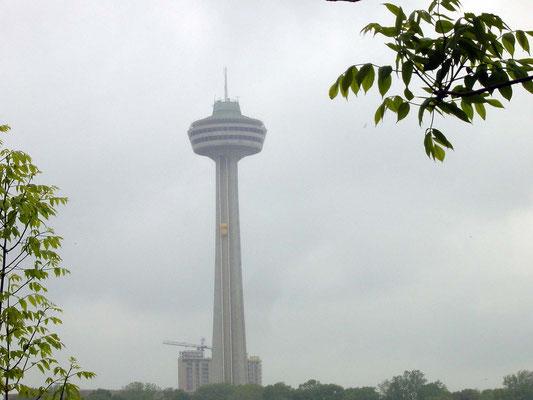Skylon Tower von den Goat Island aus gesehen