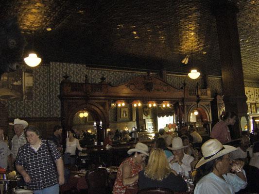 """$100.000-Bar"" im Irma Hotel"