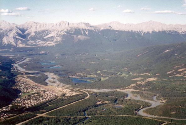 Blick vom Mt. Whistler auf Jasper
