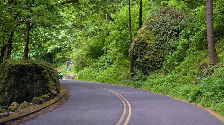 auf dem Historic Columbia River Hwy zu den Multnohma Falls