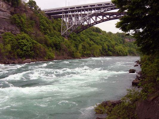 White Water Boardwalk am Niagara River