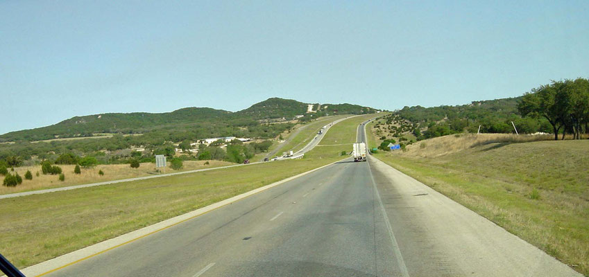 auf dem Weg auf der I-10 nach Fort Stockton, Texas