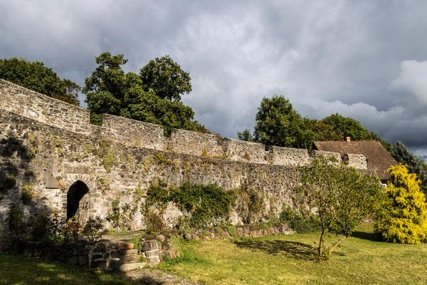 Burgmauer der Burg Nordeck