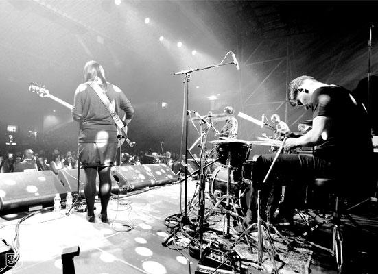 playfellow band bilder live kraftklub in schwarz tour 2015 würzburg s oliver arena