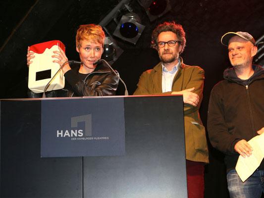 """Nicolas Christitch & Katrin Vierkant gewinnen den HANS in der Kategorie """"Bestes Imaging"""" für """"Recorded. Live In Hamburgs Plattenläden"""" (Buch)"""