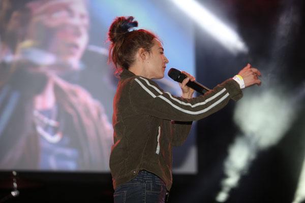 Haiyti live auf der Bühne