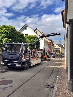 Iveco Eurocargo mit Kran im Einsatz