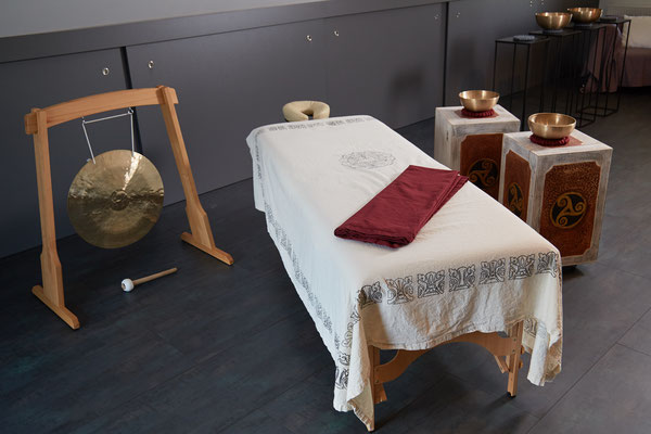 Massageliege für die Klangmassage