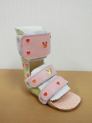 短下肢装具 シューホーンタイプ(ピンク) 小児用