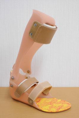 短下肢装具 タマラック式(肌色)