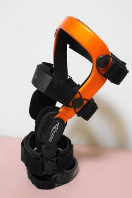 DONJOY スポーツ3ディファイアンス(イージーオーダー) カラーはオレンジ×ブラックのツートン。