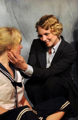 Leontine (mit Katharina Heyer) DIE MITTAGSFRAU 2010