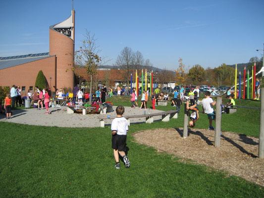Die Läufer hatten sogar Zeit zum Spielen.