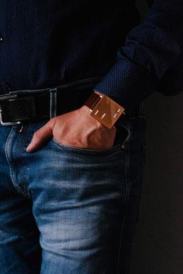 QLOCKTWO W39 copper          ©kaiczechau/timecatcher