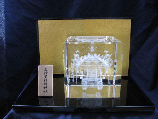 15)クリスタル御神輿(標準)=5×5×5cm