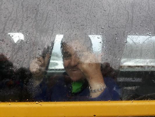 Diana heureuse malgré une pluie insitante à ce moment là.