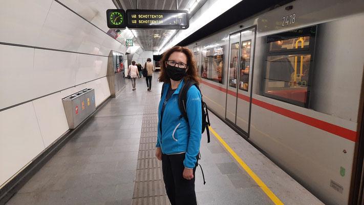 und los geht die Stadtbesichtigung; mit der Metro schnell unterwegs...