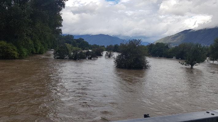der Ticino tritt über die Ufer