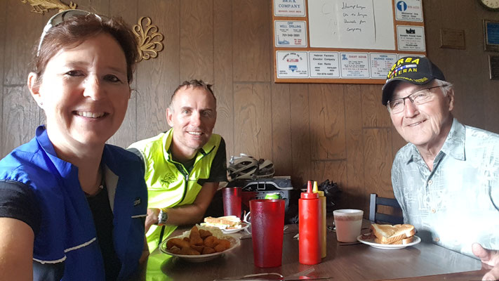 Lunch in Hebron ND mit Bill von Dickinson