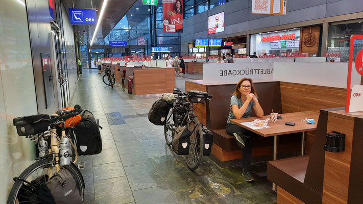 kurz vor der Rückfahrt im Hauptbahnhof