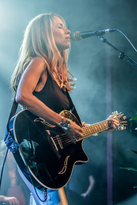 Heather Nova im Columbia Theater Berlin, Foto: Dirk Pagels