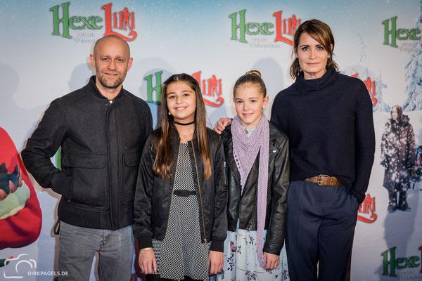 """Filmpremiere von """"Hexe Lilli rettet Weihnachten"""". Mit Hedda Erlebach, Aleyna Obid, Anja Kling und Jürgen Vogel, Foto: Dirk Pagels"""