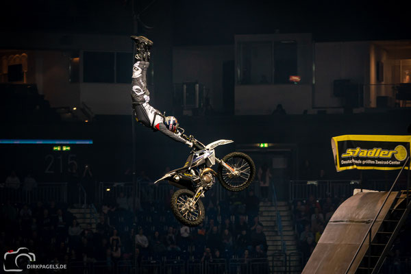 Luc Ackermann bei den Night of the Jumps 2020, Mercedes-Benz Arena Berlin, Foto: Dirk Pagels, Teltow