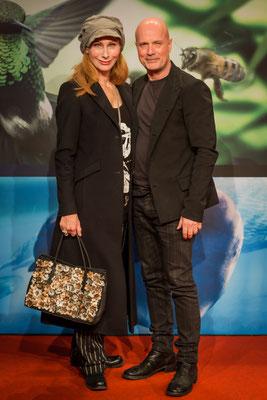 """Andrea Sawatzki und Christian Berkel bei der Filmpremiere von """"Unsere Erde 2"""" im Zoo Palast Berlin, Foto: Dirk Pagels, Teltow"""