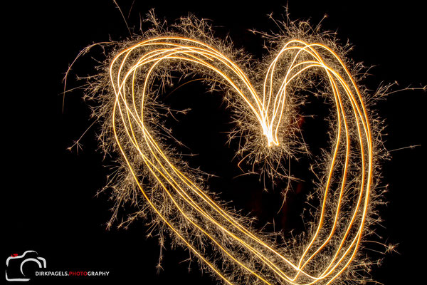 Herz mit Wunderkerzen, Foto: Dirk Pagels, Teltow