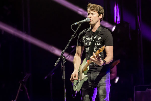 James Blunt in der Mercedes Benz Arena Berlin,  Foto: Dirk Pagels
