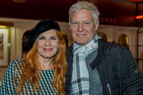 Claudia Wenzel mit Ehemann Rüdiger Joswig, beide Schauspieler, Foto: Dirk Pagels