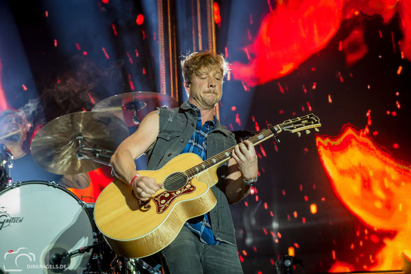 Samu Haber und Sunrise Avenue bei Stars for Free 2018 in der Wuhlheide Berlin, Fotograf: Dirk Pagels