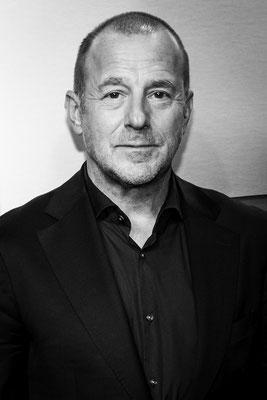 Heino Ferch, bei der Preisverleihung von Aktenzeichen XY am 20.11.2019 in Berlin, Foto: Dirk Pagels, Teltow
