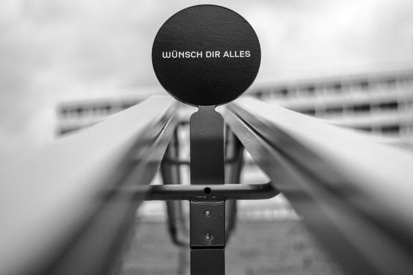 Foto des Tages in der Berliner U-Bahn am 22.04.2017, Wünsch dir alles, Bikini Haus Berlin, Foto: Dirk Pagels, Teltow