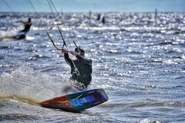 Kite Surfer in der Nordsee, Cuxhaven 2020, Foto: Dirk Pagels, Teltow