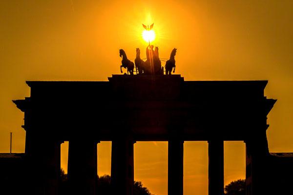 Die Sonne eingefangen am Brandenburger Tor in Berlin, Foto: Dirk Pagels