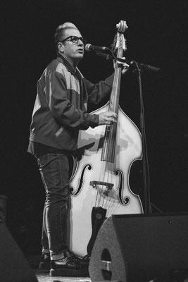 Lee Rocker, Stray Cats 2019, Columbiahalle Berlin, Foto: Dirk Pagels