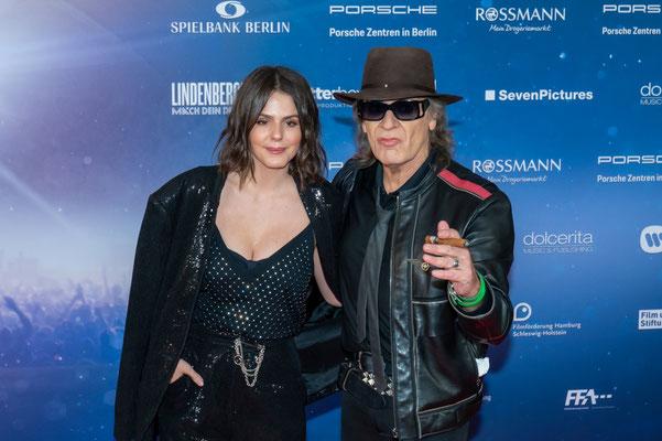 Udo Lindenberg und Ruby O. Fee, bei der Filmpremiere von Mach dein Ding im Kino International Berlin, Foto: Dirk Pagels, Teltow